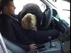 Hei�e Mutter auf Parkplatz gefickt.