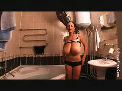Anya soapy bath