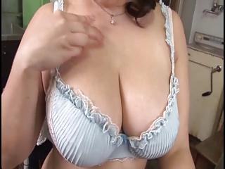Hot summer hot hot mom