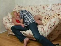 SLEEPING MATURE MOM Fucked By Teen ( amateur mother m...
