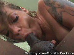 Horny Mommy Kayla Quinn Receives Deepthroat Penetrati...