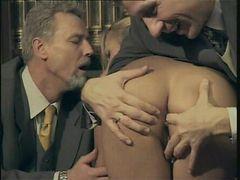 Agnese Stock in Una Famiglia Perversa scene 2