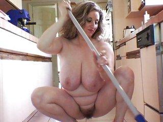 Nice Wife Mature mega boobs busty big clit labia Putzfrau riding